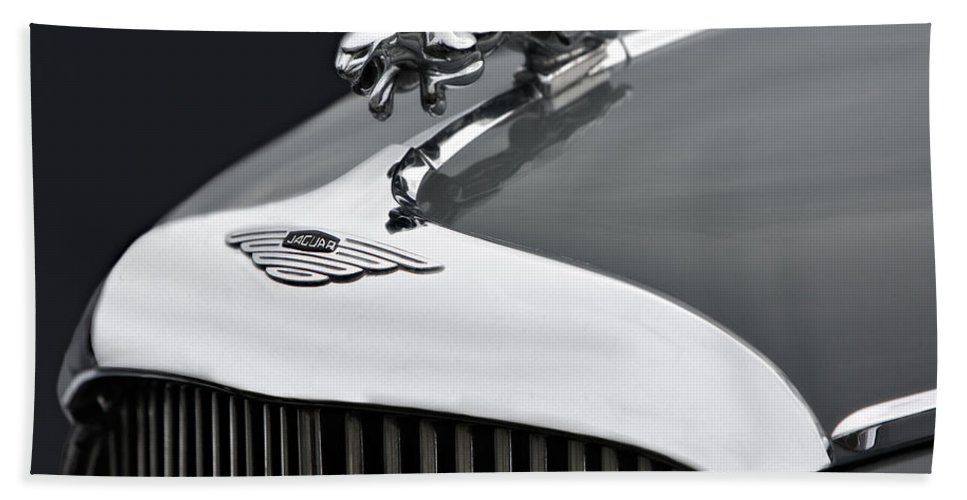 Grill Bath Sheet featuring the photograph Jaguar Mk Ix Hood by Susan Candelario