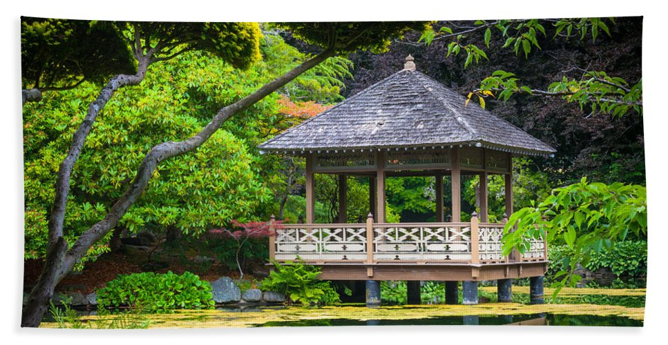 America Hand Towel featuring the photograph Japanese Gazebo by Inge Johnsson