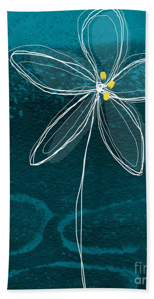 Abstract Bath Towel featuring the painting Jasmine Flower by Linda Woods