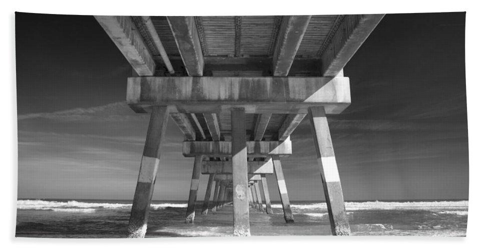 Black Hand Towel featuring the photograph Jax Beach Pier by Jennifer Ann Henry