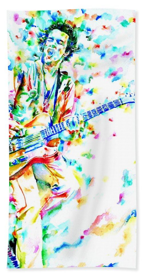 Joe Strummer Bath Sheet featuring the painting Joe Strummer Playing Live by Fabrizio Cassetta