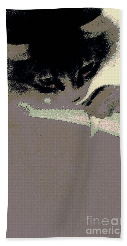 Maine Coon Hand Towel featuring the photograph Just Fascinating by Jacqueline McReynolds