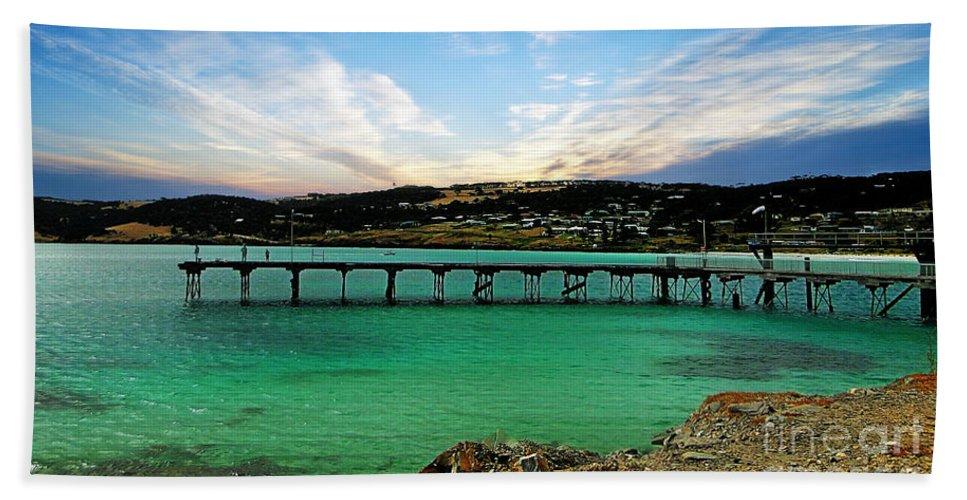 Kangaroo Island Hand Towel featuring the photograph Kangaroo Island 1 by Ben Yassa