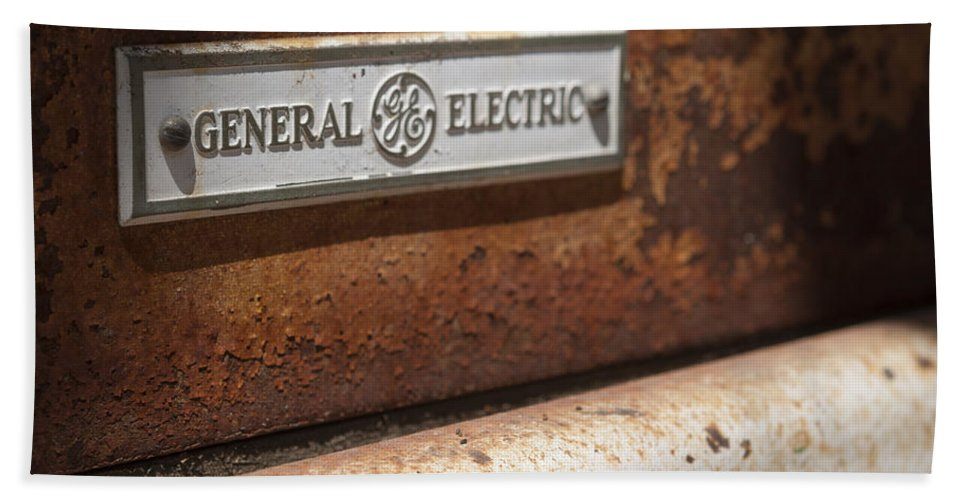 General Electric Bath Sheet featuring the photograph Keeping Rusty Company by Scott Campbell