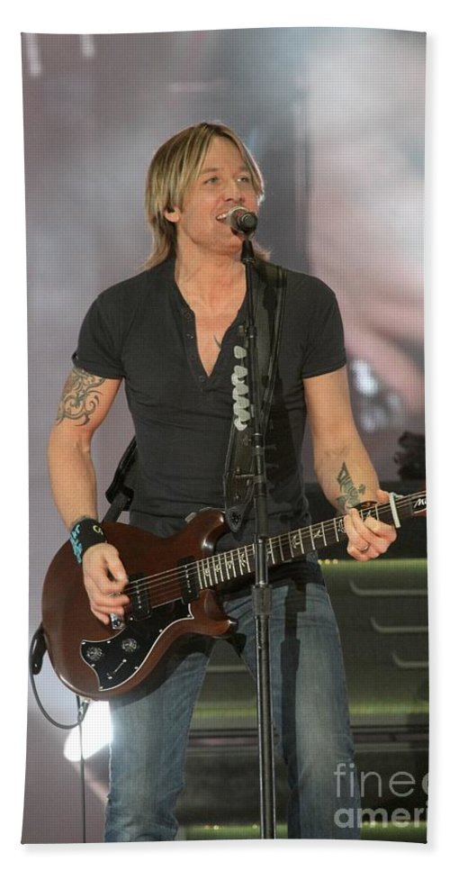 Guitar Hand Towel featuring the photograph Musician Keith Urban by Concert Photos