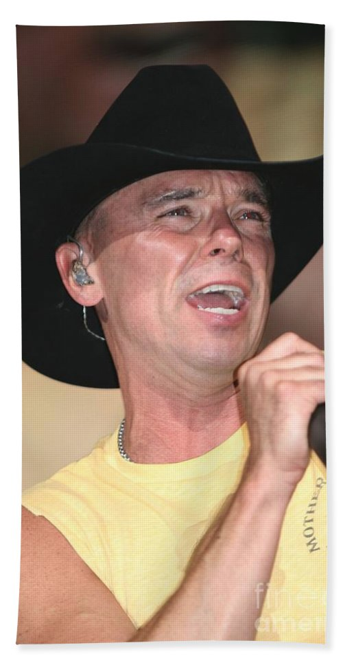 Vocalist Bath Sheet featuring the photograph Kenny Chesney by Concert Photos