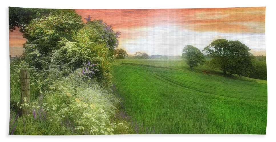 Landscapes In Art Hand Towel featuring the photograph Kent Between Storms by Fran J Scott