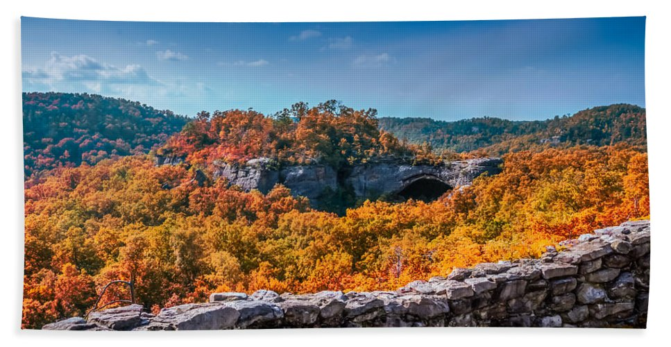 Daniel Boone National Forest Hand Towel featuring the photograph Kentucky - Natural Arch Scenic Area by Ron Pate