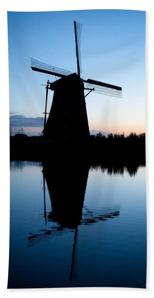Kinderdijk Hand Towel featuring the photograph Kinderdijk Dawn by Dave Bowman