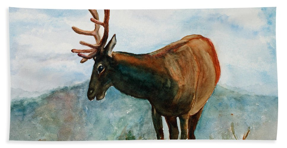 Elk Hand Towel featuring the painting King Of The Hill by Mary Benke