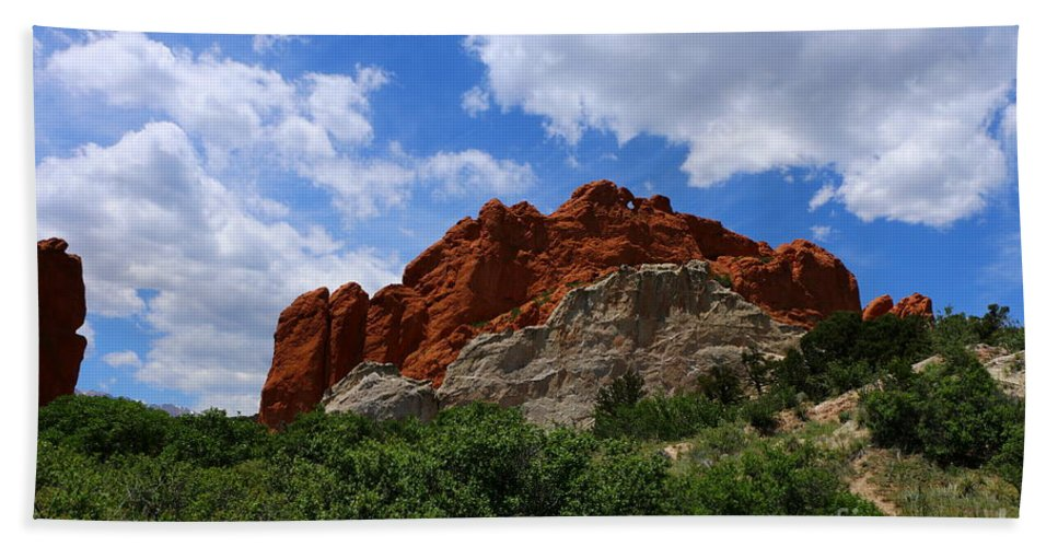 Garden Bath Sheet featuring the photograph Kissing Camels - Garden Of The Gods by Christiane Schulze Art And Photography