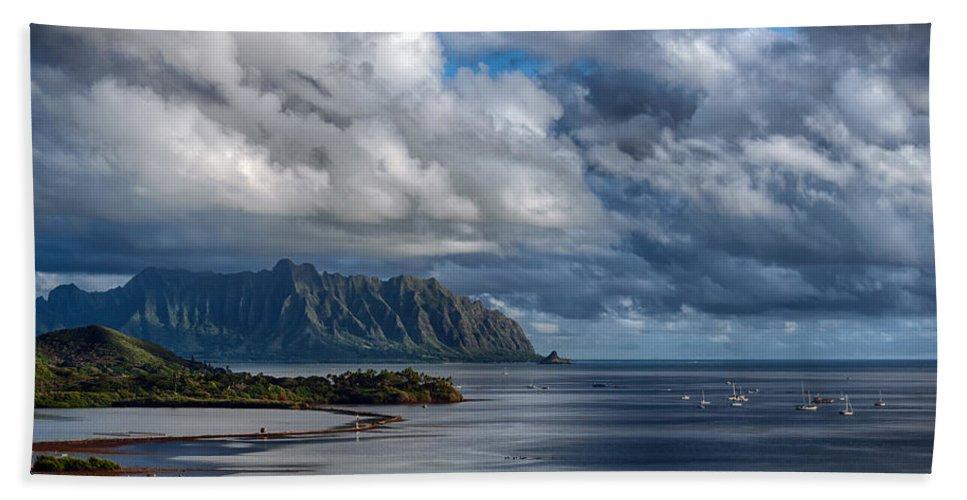 Hawaii Bath Sheet featuring the photograph Kualoa Morning Show by Dan McManus