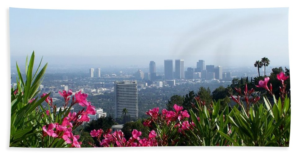Los Angeles Bath Sheet featuring the photograph L.a. From Beverly Hills by Dany Lison