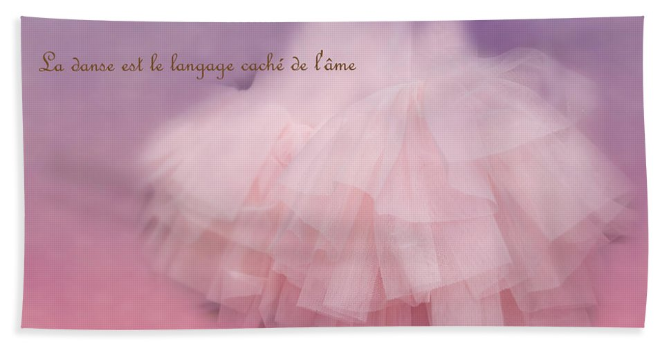 Wright Hand Towel featuring the photograph La Langage Cache De L'ame by Paulette B Wright