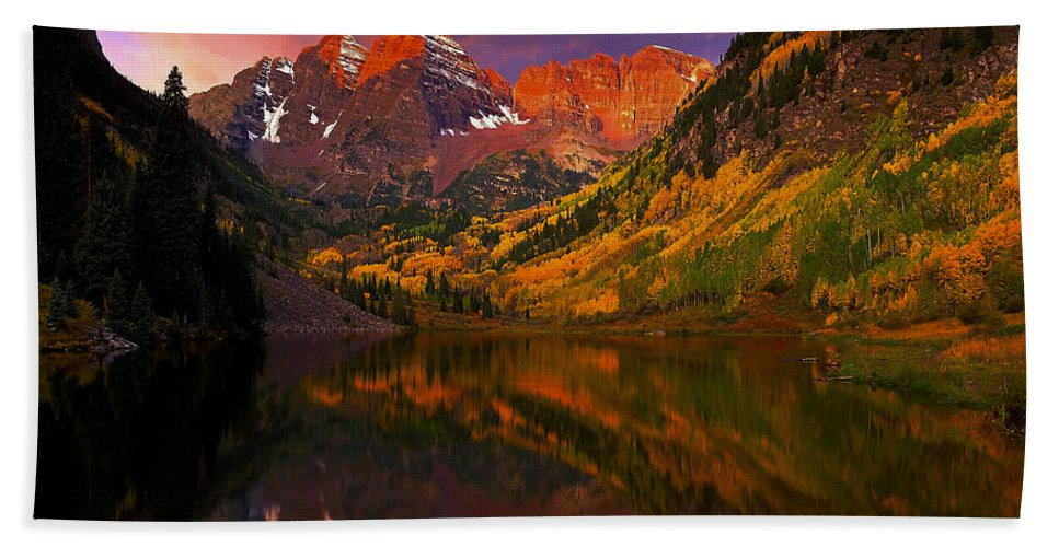 Lake Hand Towel featuring the photograph Lake 4 by Ingrid Smith-Johnsen