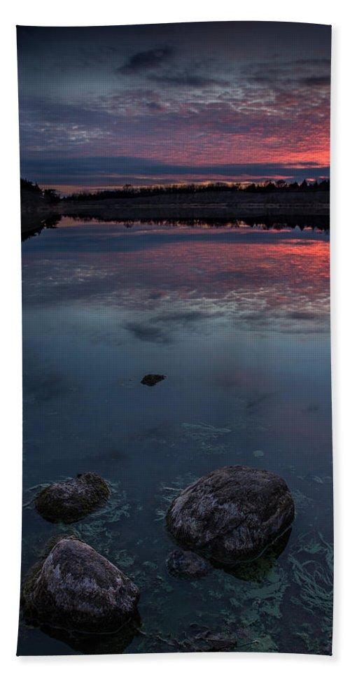 Dusk Bath Sheet featuring the photograph Lake Alvin Dusk by Aaron J Groen
