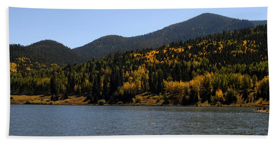 Landscape Hand Towel featuring the photograph Lake Isabel by Pam Romjue