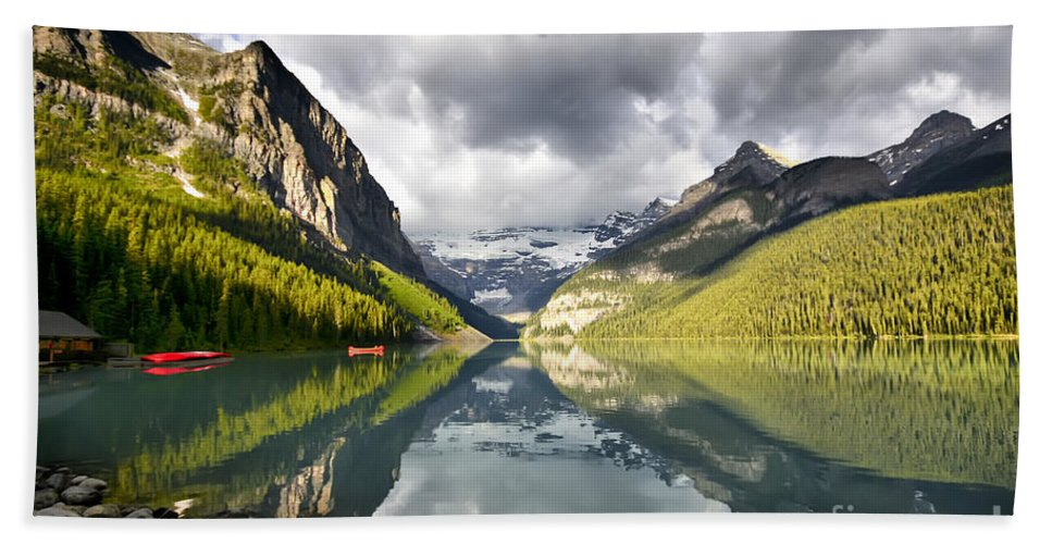 Lake Louise Bath Sheet featuring the photograph Lake Louise Banff National Park by Teresa Zieba
