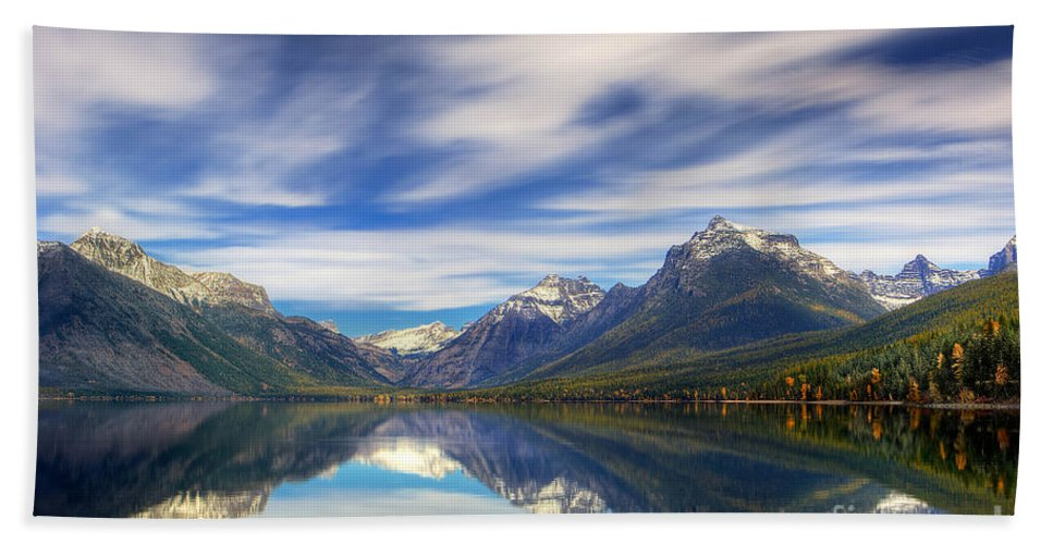Alpine Lake Hand Towel featuring the photograph Lake Macdonald by Jerry Fornarotto
