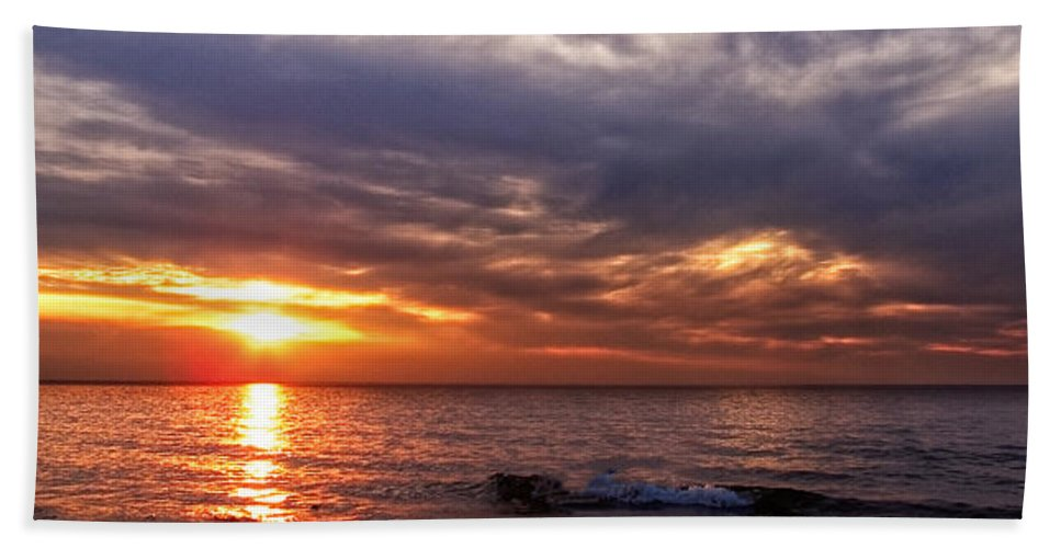 Michigan Hand Towel featuring the photograph Lake Superior Sunset Panorama by Lars Lentz