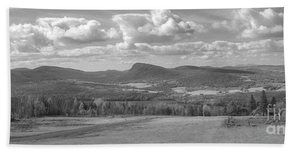 Lake Willoughby Hand Towel featuring the photograph Lake Willoughby Vermont by Richard Rizzo