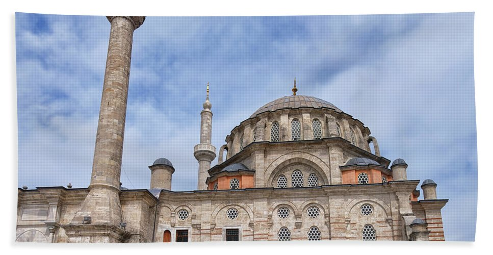 Istanbul Hand Towel featuring the photograph laleli Mosque 02 by Antony McAulay