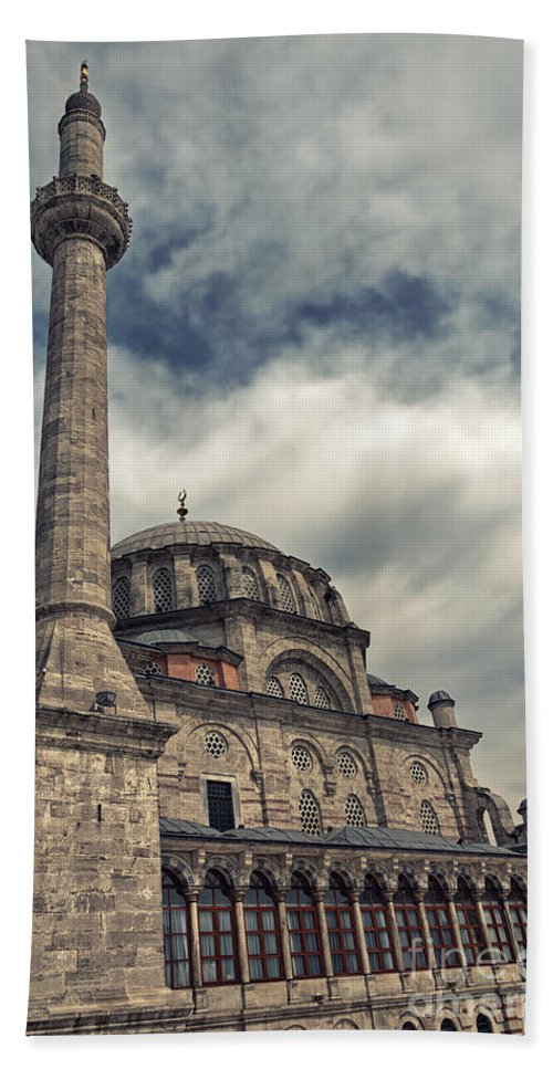 Istanbul Hand Towel featuring the photograph laleli Mosque 06 by Antony McAulay