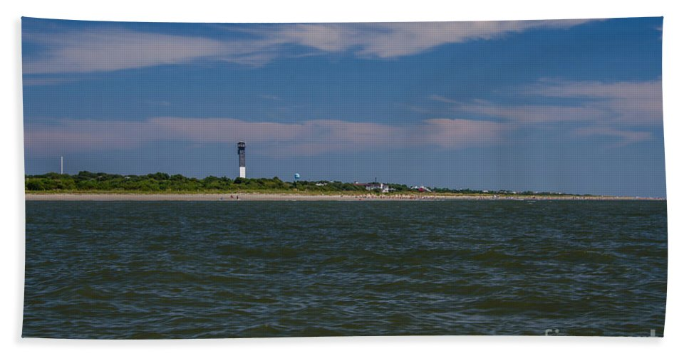 Sullivan's Island Lighthouse Bath Sheet featuring the photograph Last Day Of Summer by Dale Powell