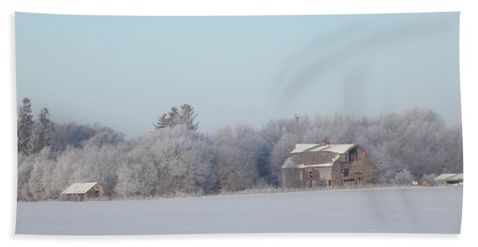Frost Hand Towel featuring the photograph Last Winter 2 by Bonfire Photography