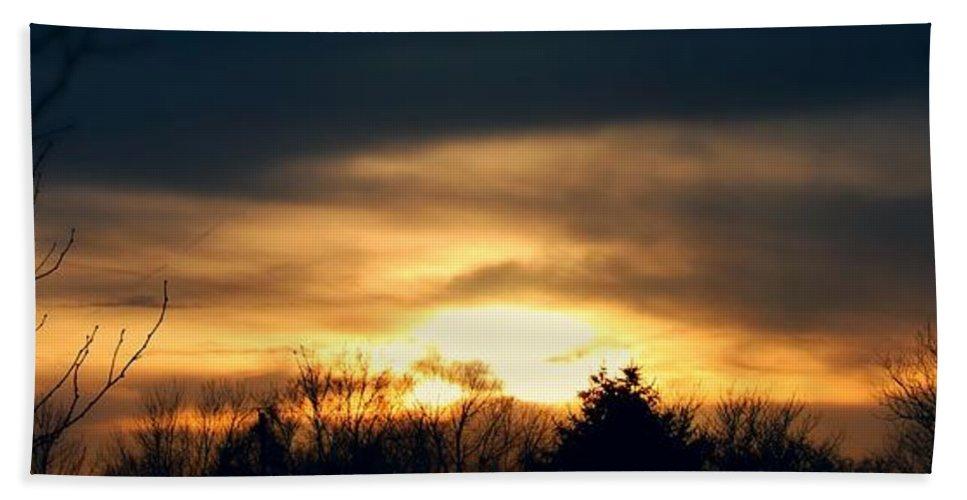 Stormscape Bath Sheet featuring the photograph Late April Nebraska Sunset by NebraskaSC