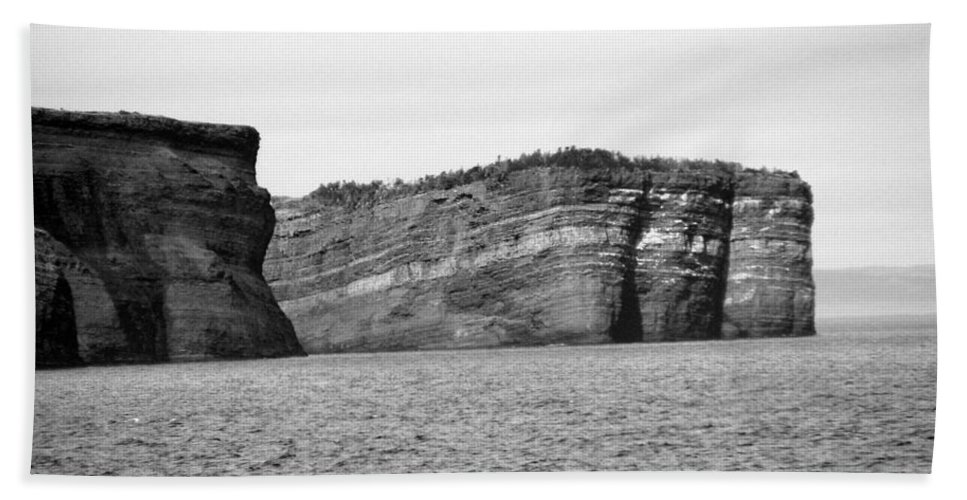 Rock Bath Sheet featuring the photograph Layers Of Bedrock by Barbara Griffin