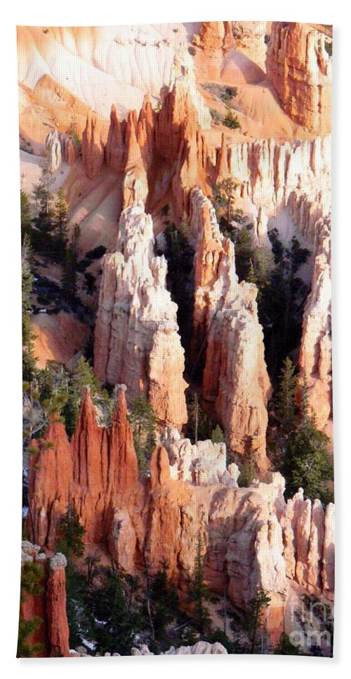 Bryce Hoodoos Bath Sheet featuring the photograph Layers Of Hoodoos And Bluffs by Rincon Road Photography By Ben Petersen