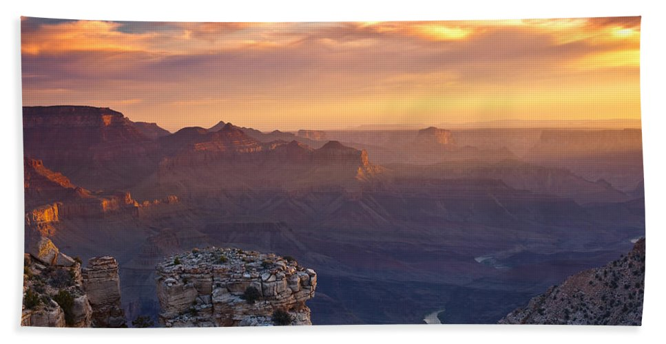 Sunrise Bath Towel featuring the photograph Le Grand Sunrise by Darren White