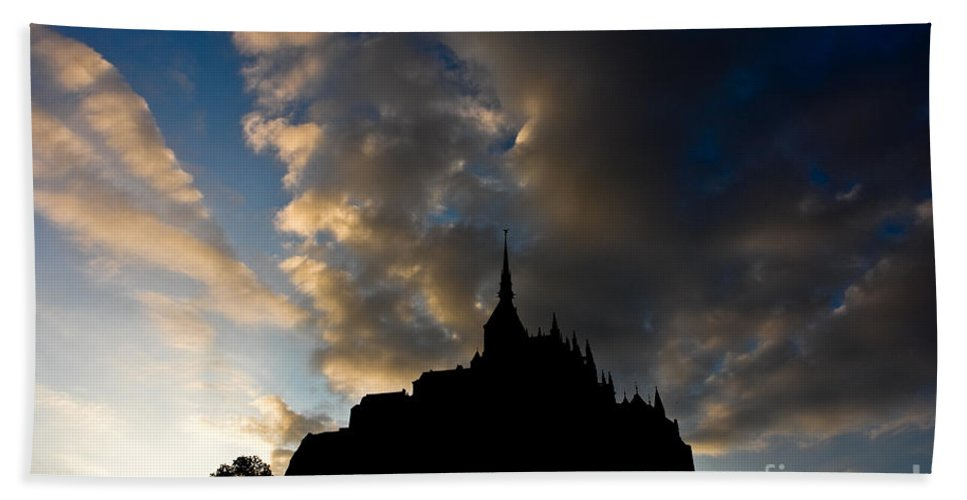 Sunset Bath Sheet featuring the photograph Le Mont Saint Michel by Brothers Beerens