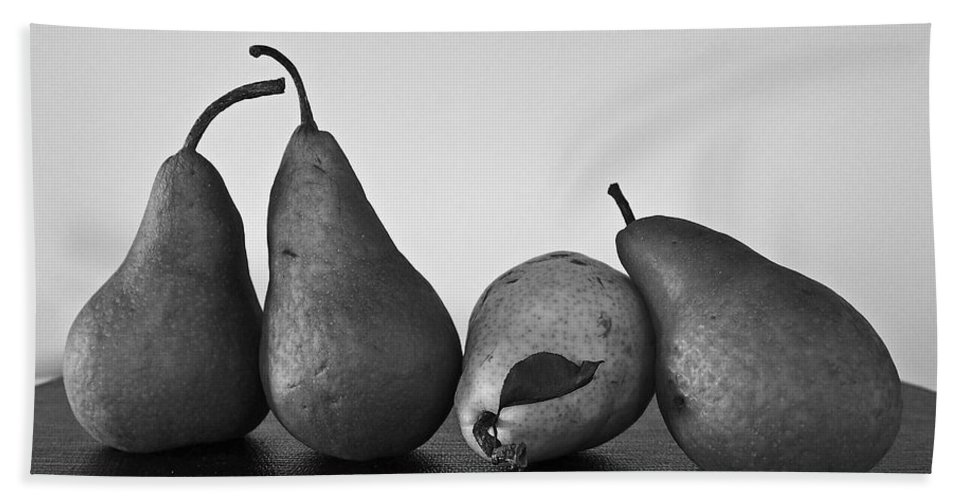 Pears Bath Sheet featuring the photograph Lean On Me by David Pantuso