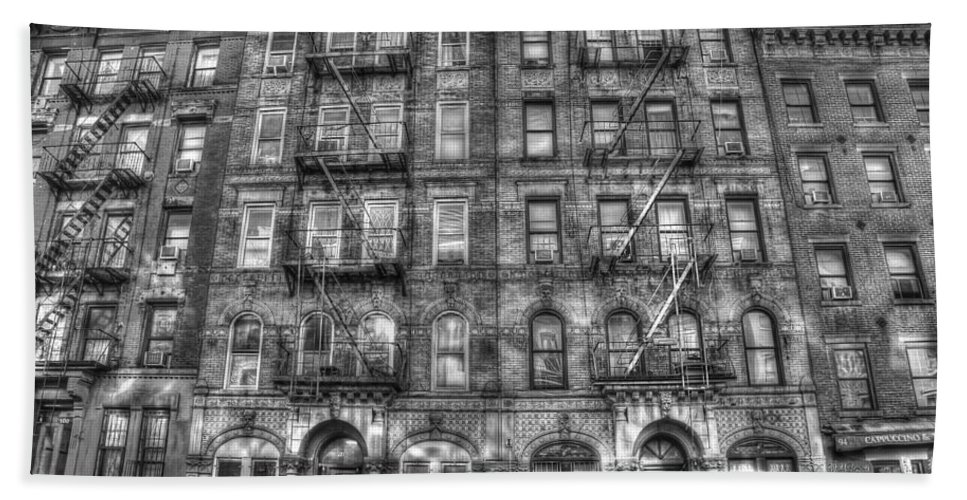 Led Zeppelin Hand Towel featuring the photograph Led Zeppelin Physical Graffiti Building In Black And White by Randy Aveille