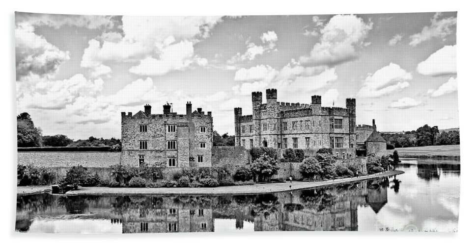 Leeds Castle Canvas Hand Towel featuring the photograph Leeds Castle Black And White by Chris Thaxter