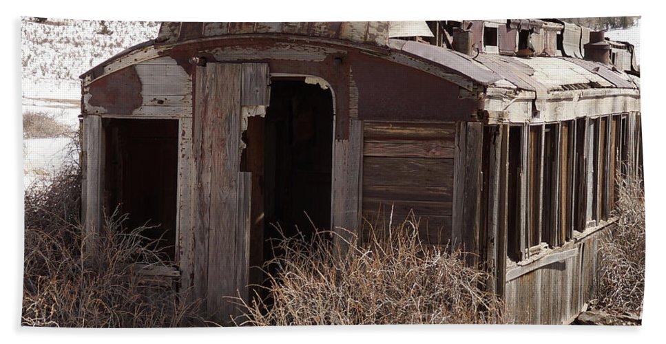 Railroad Car Bath Sheet featuring the photograph Left Behind by Ernie Echols