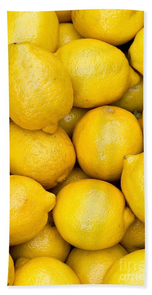 Lemons Bath Towel featuring the photograph Lemons 02 by Rick Piper Photography