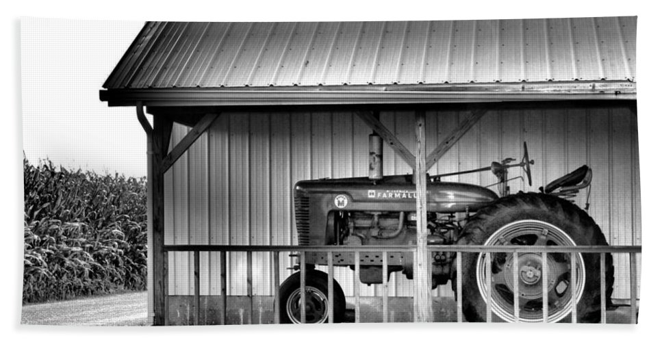 Tractor Hand Towel featuring the photograph Life On The Farm by Dan Sproul