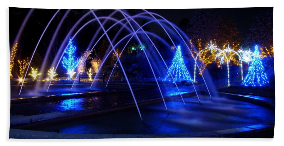 Fine Art Bath Sheet featuring the photograph Light And Water In Motion by Rodney Lee Williams
