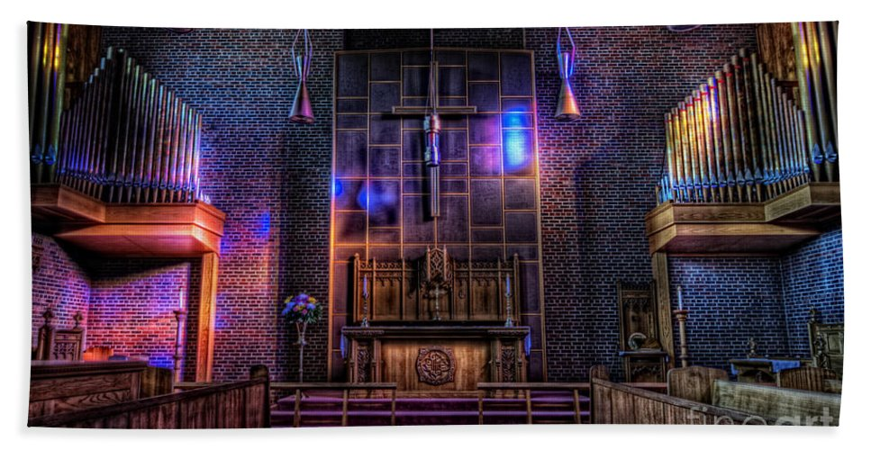 Architectural Hdr Hand Towel featuring the photograph Light Show by Frank Welder