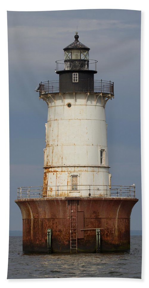 Bay Bath Sheet featuring the photograph Lighthouse 3 by Leah Palmer
