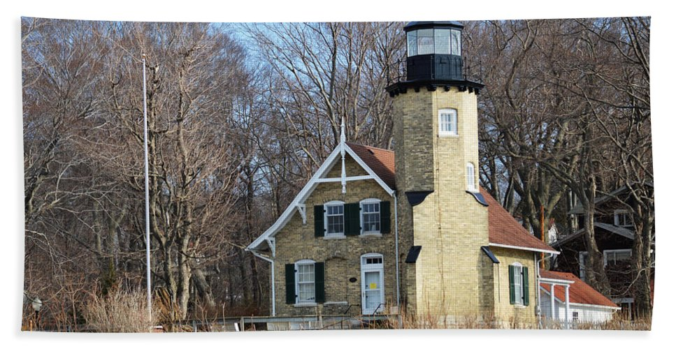 White River Lighthouse Bath Sheet featuring the photograph Lighthouse At White River by Linda Kerkau