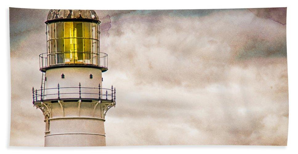Lighthouse Bath Sheet featuring the photograph Lighthouse Cape Elizabeth Maine by Bob Orsillo
