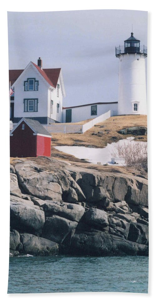 Lighthouse Hand Towel featuring the photograph Lighthouse by Jeffery L Bowers