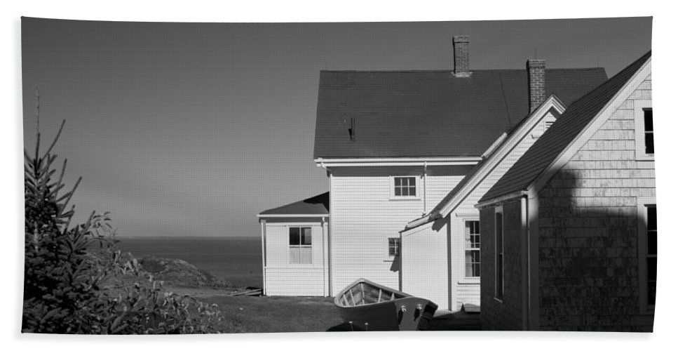 Lighthouse Hand Towel featuring the photograph Lighthouse Monhegan by Jean Macaluso