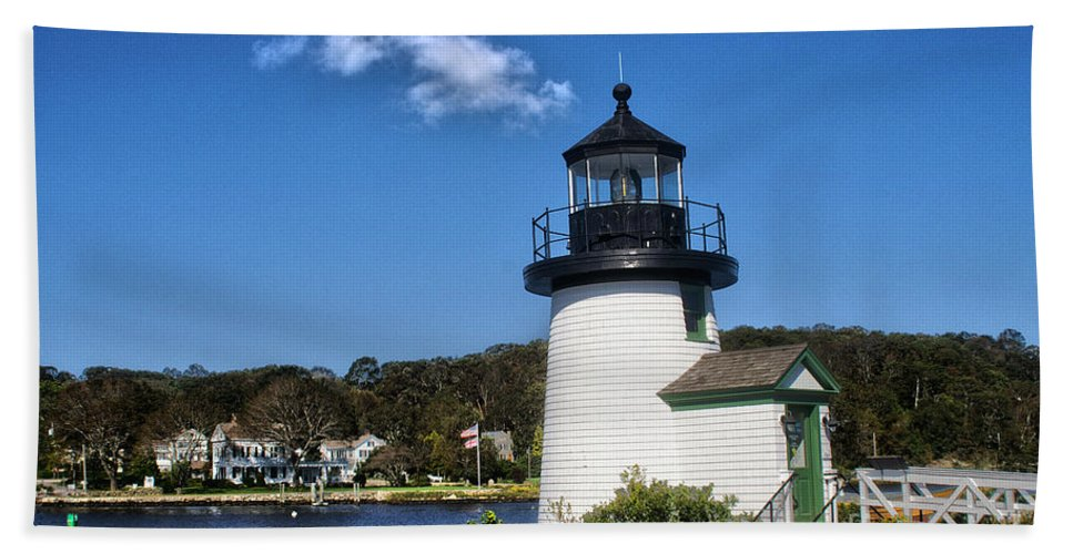 Connecticut Hand Towel featuring the photograph Lighthouse Mystic Seaport by Tom Gari Gallery-Three-Photography