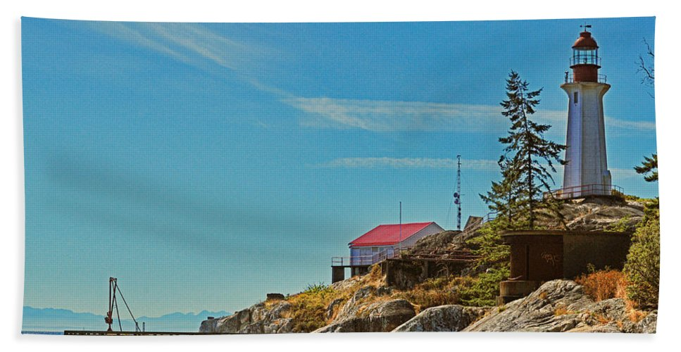 Lighthouses Hand Towel featuring the photograph Lighthouse Park by Randy Harris