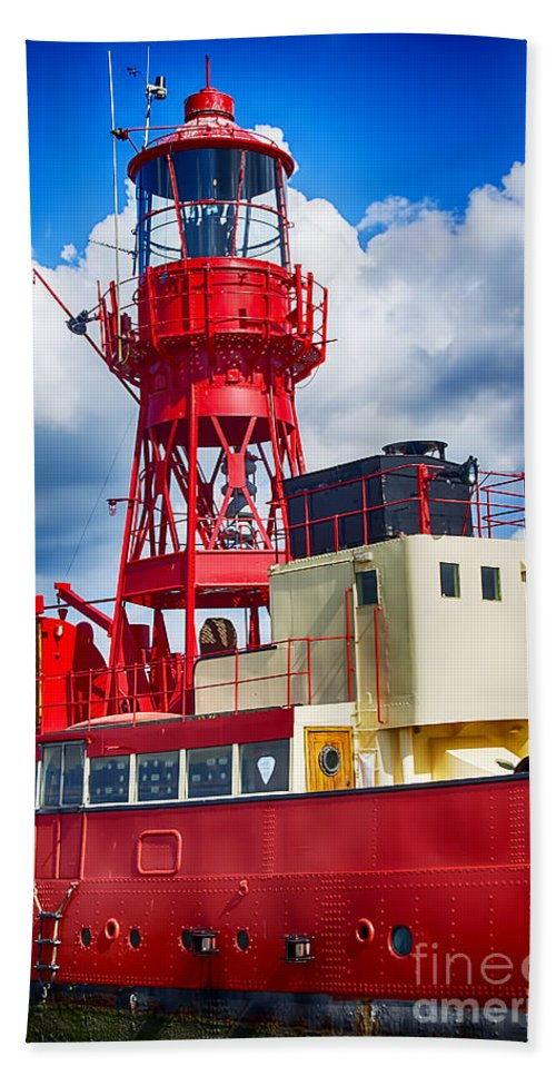 Tollesbury Lightship Canvas Hand Towel featuring the photograph Lightship Lv15 Trinity by Chris Thaxter